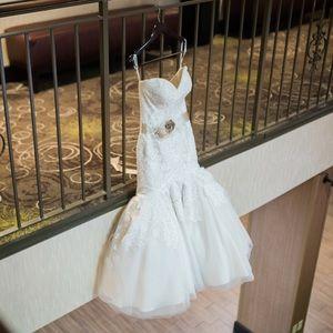Allure Romance Wedding Gown Size 4/6